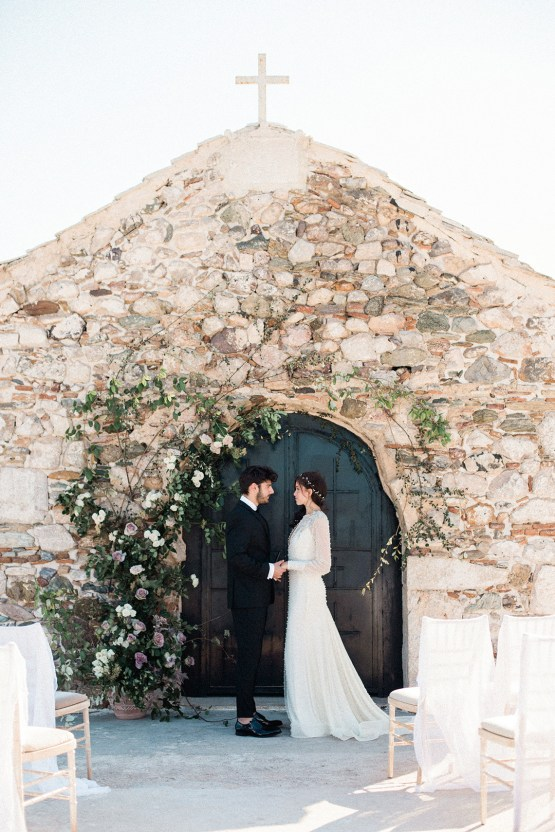 Luxurious Wedding Inspiration From An Ancient Greek Chapel – Nina Wernicke 8