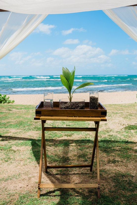 Playful and Intimate North Shore Oahu Beach Wedding – Chelsea Stratso Photography 14