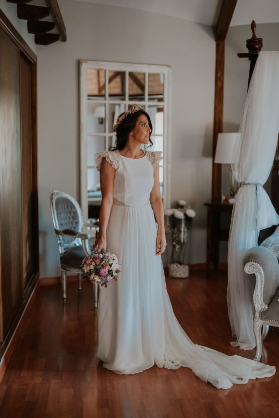 Romantic and Fashionable Spanish Boho Wedding – Javier Berenguer 20