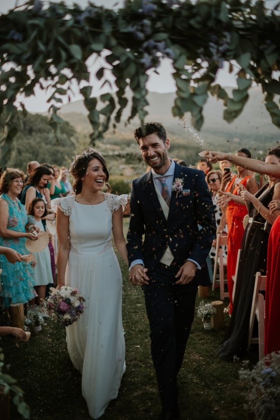 Romantic and Fashionable Spanish Boho Wedding – Javier Berenguer 28