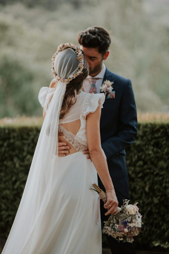 Romantic and Fashionable Spanish Boho Wedding – Javier Berenguer 35