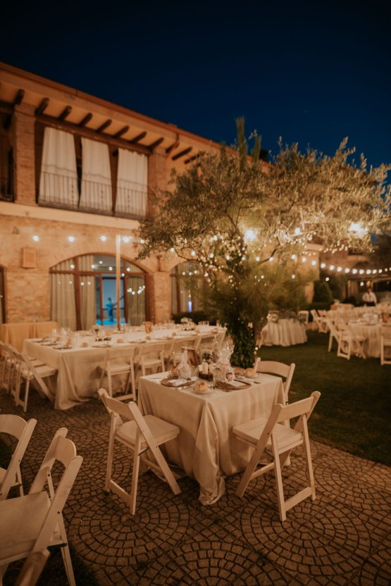 Romantic and Fashionable Spanish Boho Wedding – Javier Berenguer 46