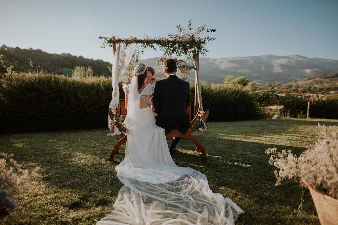 Romantic and Fashionable Spanish Boho Wedding – Javier Berenguer 7