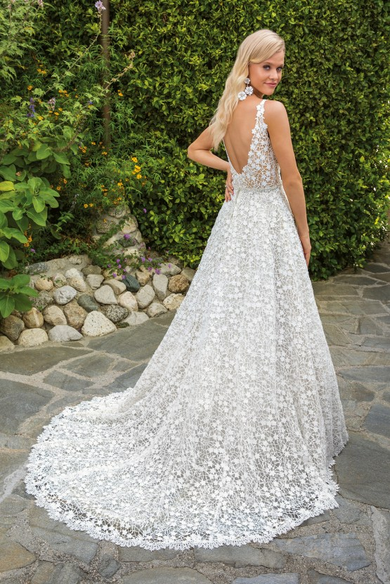 6 Stunning Lace Wedding Dresses By Casablanca Bridal – 2354 Liliana-BACK