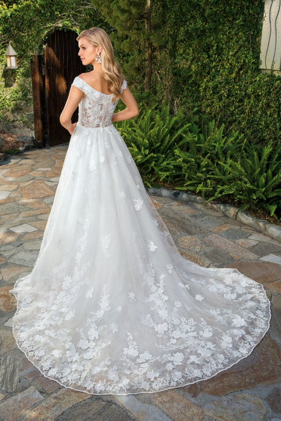 6 Stunning Lace Wedding Dresses By Casablanca Bridal – 2361 Anabelle-BACK