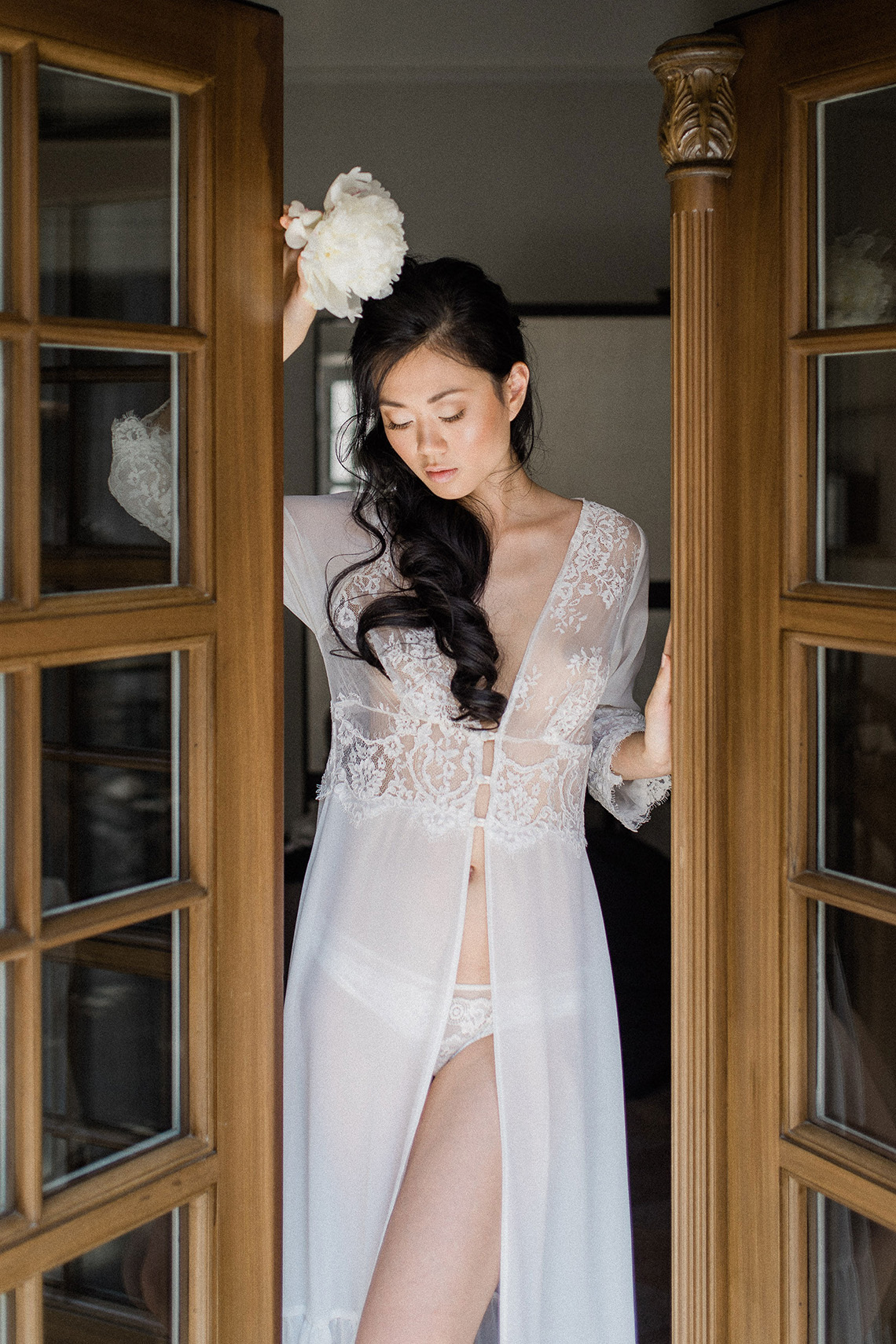 A Dramatic Gold Wedding Dress for the Goddess Bride – Vivid Symphony 14