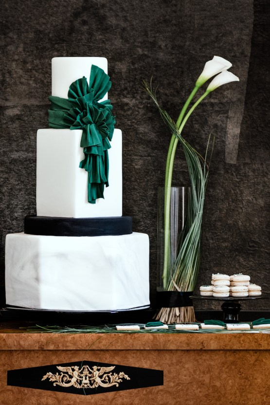 Sleek and Sexy Modern Wedding Inspiration in Emerald – Marcella Cistola 27