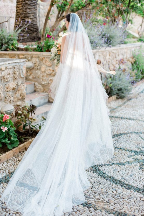 Whimsical Romantic Wedding Inspiration With Grace Kelly Vibes – Fiorello Photography 34