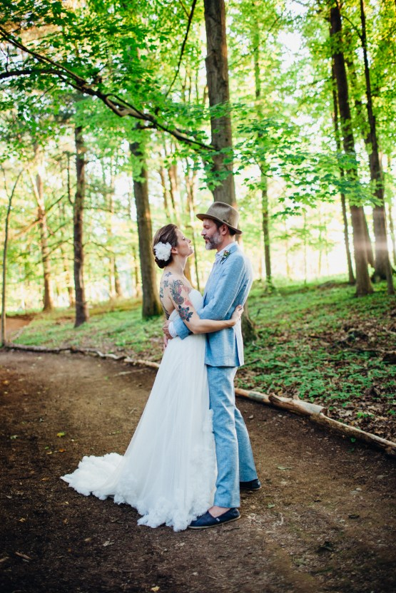 Adorable DIY Backyard Wedding in Upstate New York with a Rock and Roll Bride and Groom – Claire Eliza 58