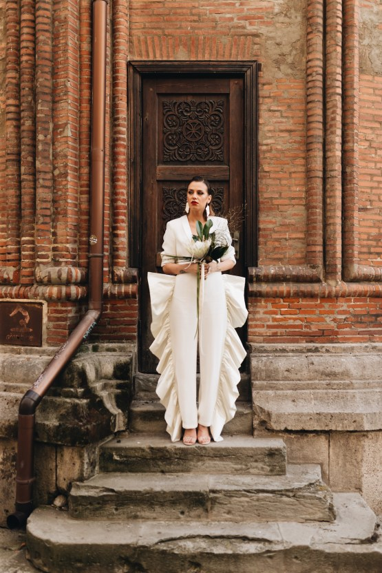 Avant-Garde Urban Bridal Inspiration from Bucharest – Wedding Stories – Moon Events 11