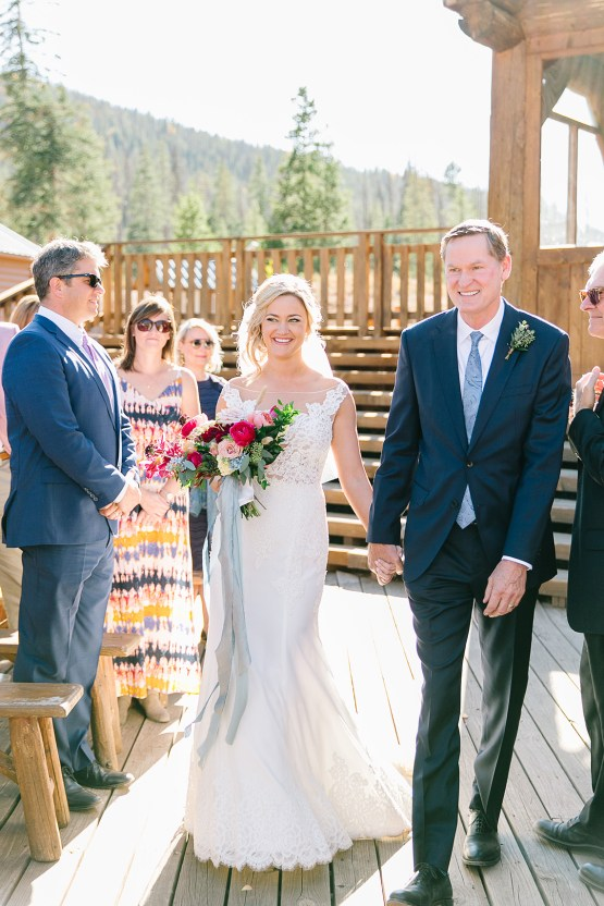 Colorful Colorado Wedding with Stunning Mountain Views – Callie Hobbs – Banks and Leaf 19