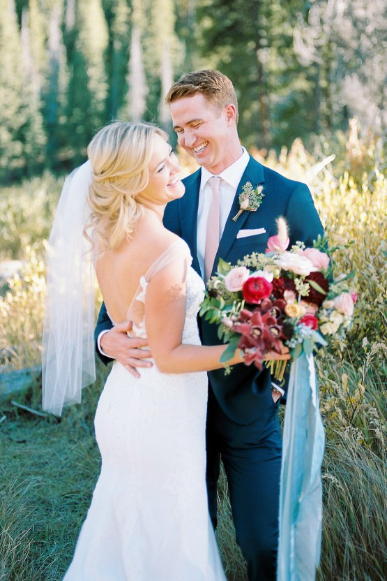 Colorful Colorado Wedding with Stunning Mountain Views – Callie Hobbs – Banks and Leaf 25