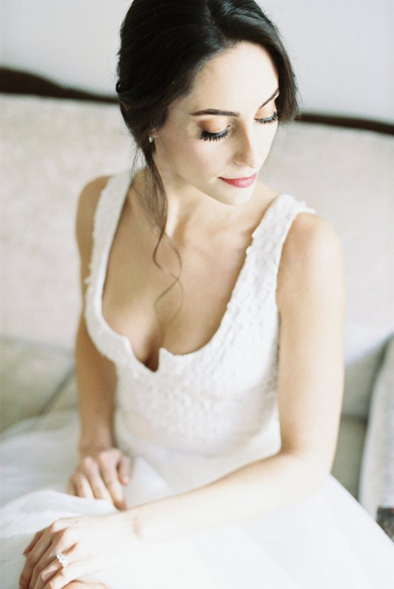 Monica Phoebe and Rachel Friends Bridal Inspiration – Lora Grady Photography 31
