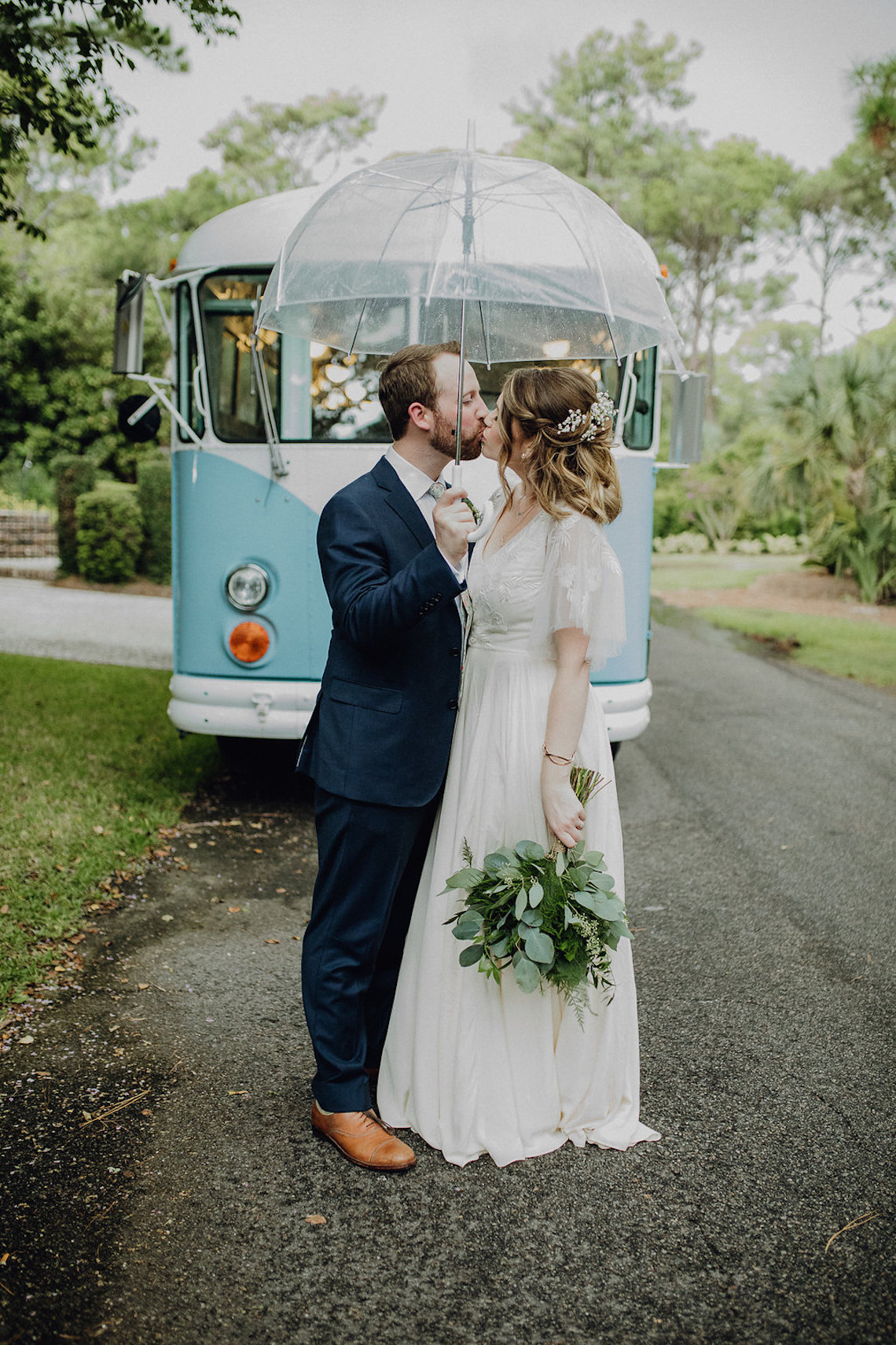 Quirky Vintage Food Truck Wedding Filled With Details – Amanda Rose Weddings – Kara Quinn Photography 37