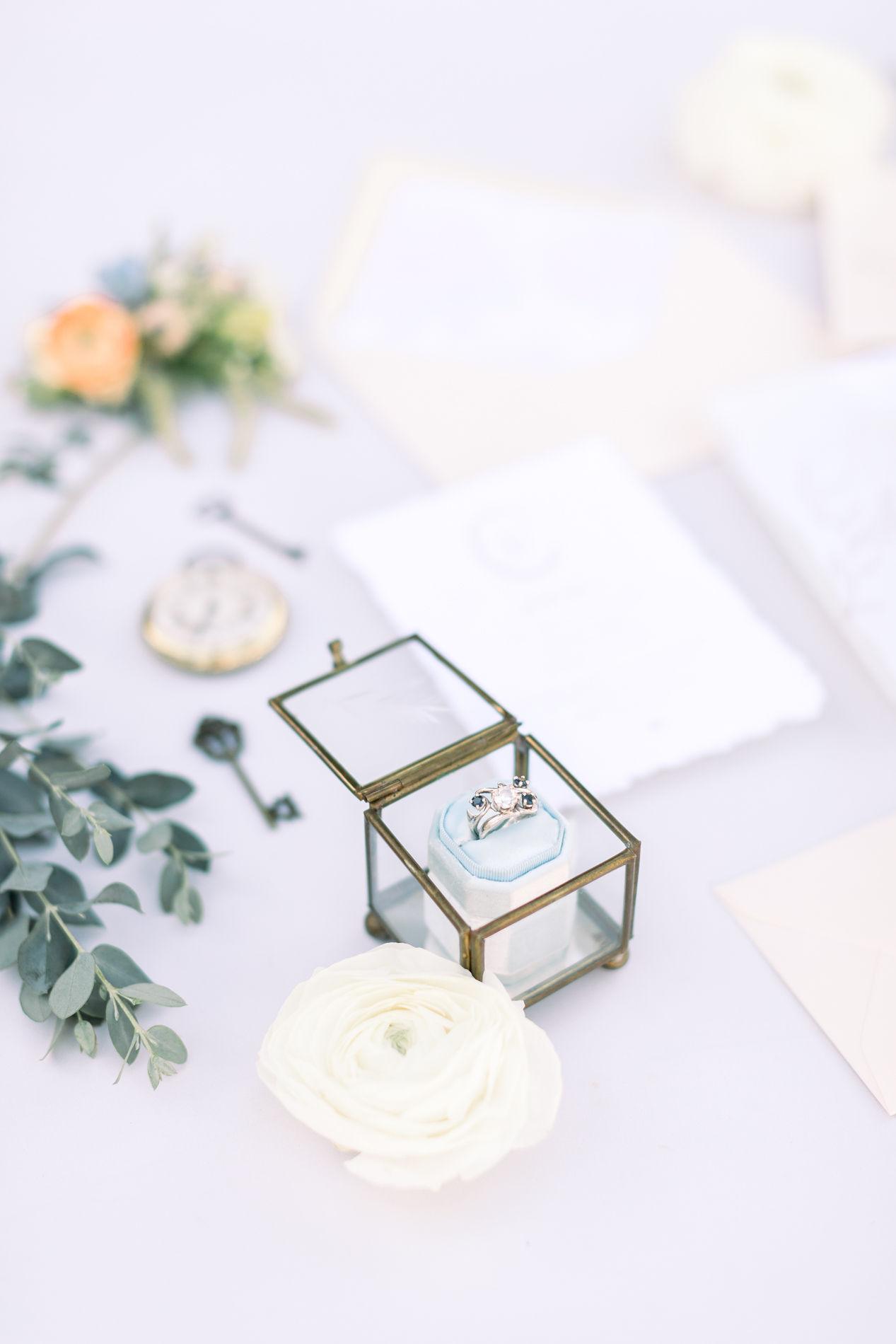 Whimsical Blue Alice and Wonderland Wedding Inspiration – Stephanie Weber Photography 6
