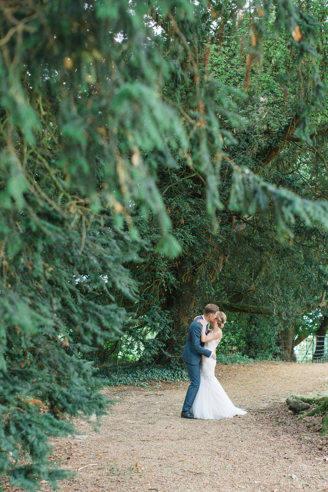 Adorable Animal-themed Wedding in a Castle Wedding Venue – Lucy Davenport Photography 33