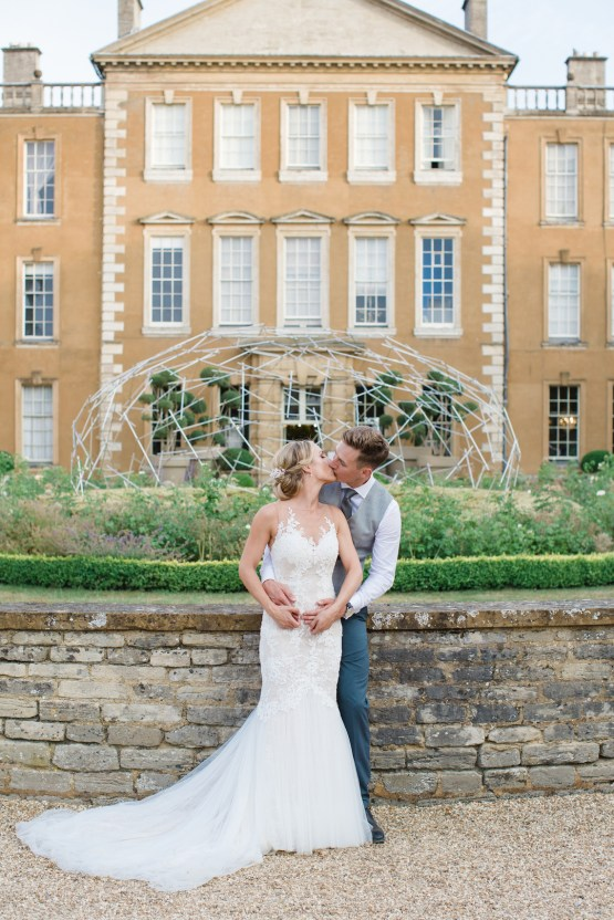 Adorable Animal-themed Wedding in a Castle Wedding Venue – Lucy Davenport Photography 38