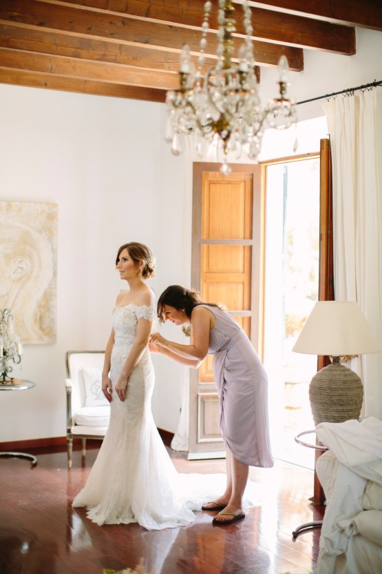 Posh Mallorca Pool Party Wedding at a Rustic Spanish Villa – Sandra Manas 11