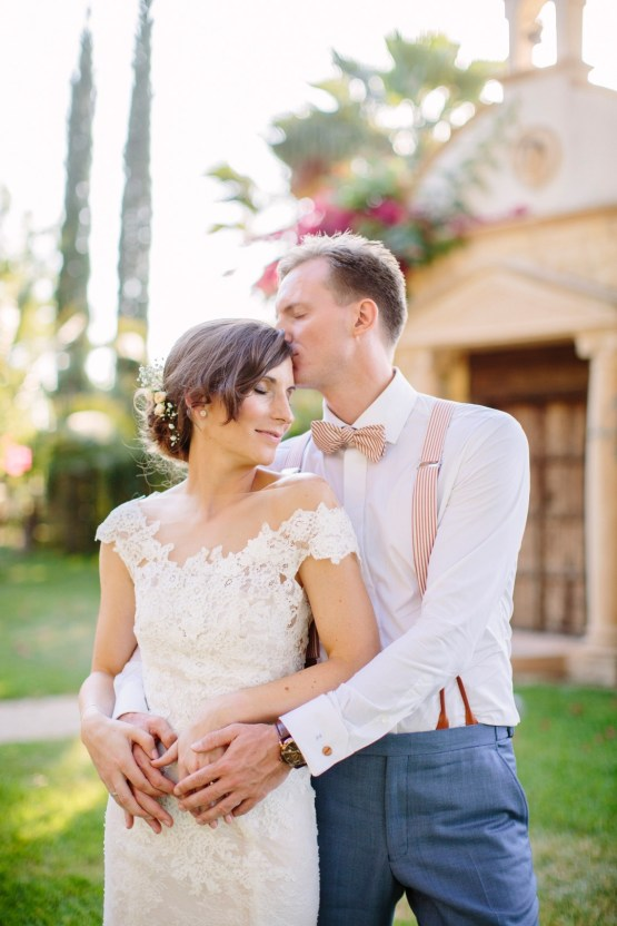 Posh Mallorca Pool Party Wedding at a Rustic Spanish Villa – Sandra Manas 43