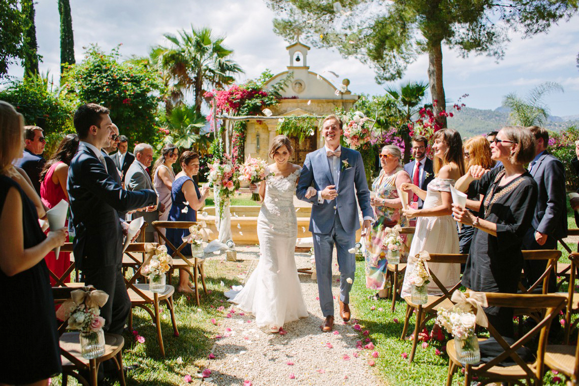 Posh Mallorca Pool Party Wedding at a Rustic Spanish Villa – Sandra Manas 49