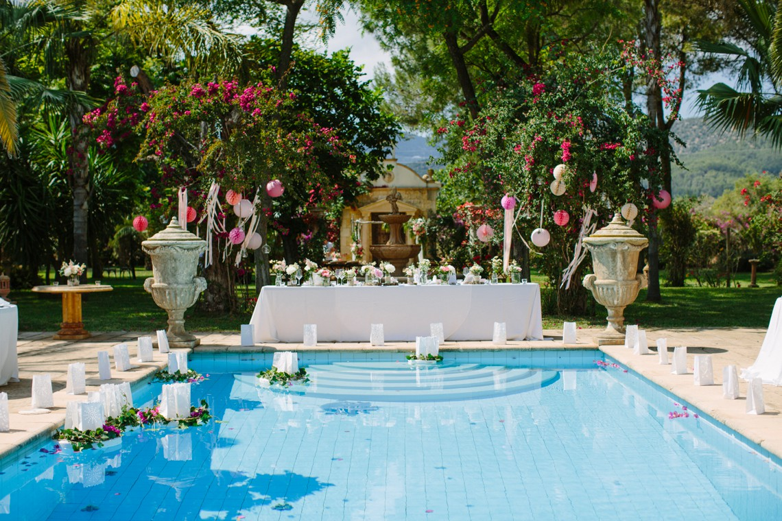 Posh Mallorca Pool Party Wedding at a Rustic Spanish Villa – Sandra Manas 50