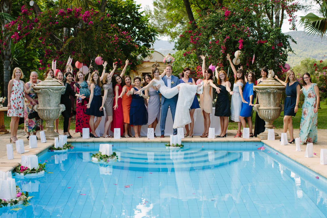 Posh Mallorca Pool Party Wedding at a Rustic Spanish Villa – Sandra Manas 53