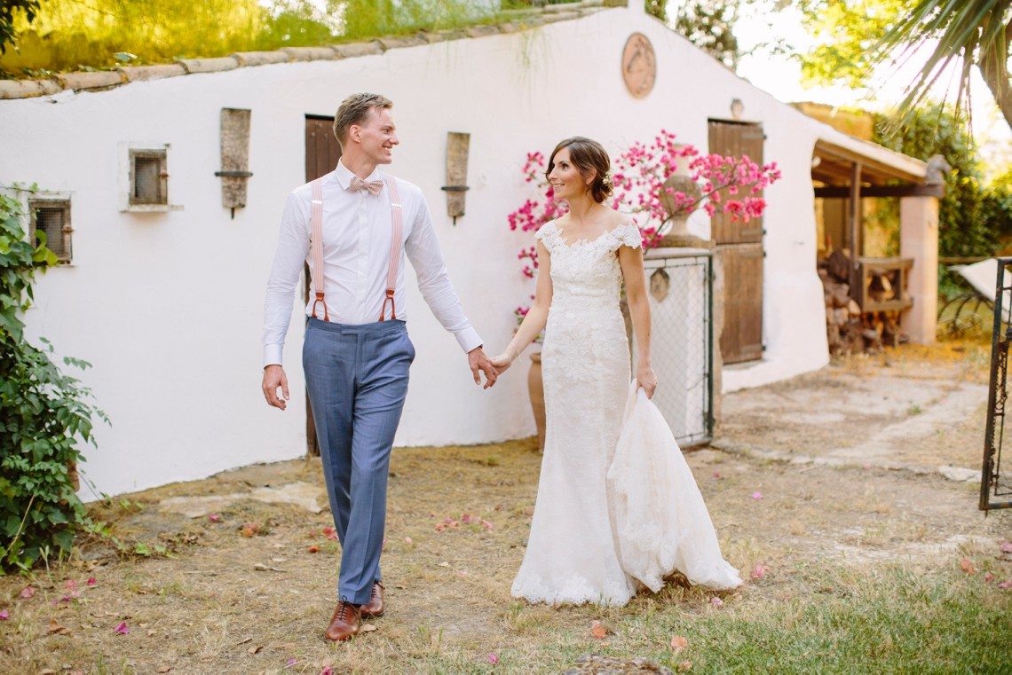 Posh Mallorca Pool Party Wedding at a Rustic Spanish Villa – Sandra Manas 56