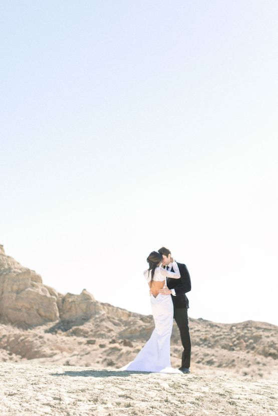 Rainbow Basin Desert Wedding Inspiration with Moon Stationery – Victoria Masai Photography 15