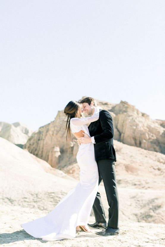 Rainbow Basin Desert Wedding Inspiration with Moon Stationery – Victoria Masai Photography 17