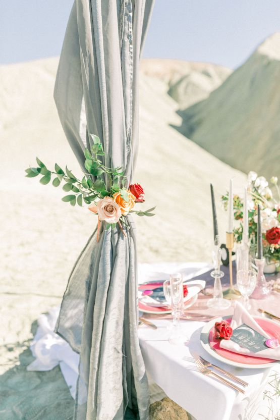 Rainbow Basin Desert Wedding Inspiration with Moon Stationery – Victoria Masai Photography 20