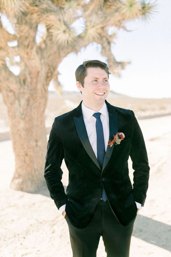 Rainbow Basin Desert Wedding Inspiration with Moon Stationery – Victoria Masai Photography 28