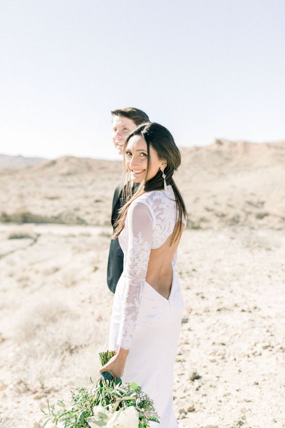 Rainbow Basin Desert Wedding Inspiration with Moon Stationery – Victoria Masai Photography 9