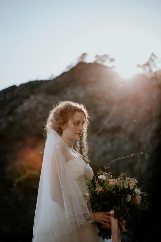 Rose Gold and Copper Cinque Terre Fall Wedding Inspiration – Di Luce e d Ombra – Greta Betton Wedding Planner 16