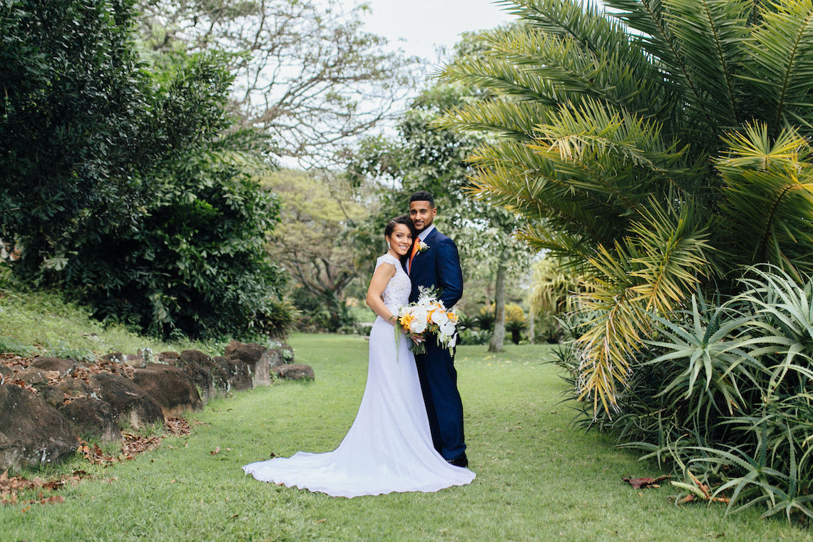 A Modern & Bright Hawaiian Elopement – Schyne Photography 21