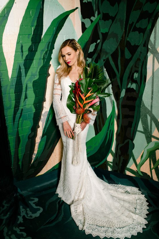 Bold Tropical Wedding Inspiration – Katerina Antos-Lewis Photography 24