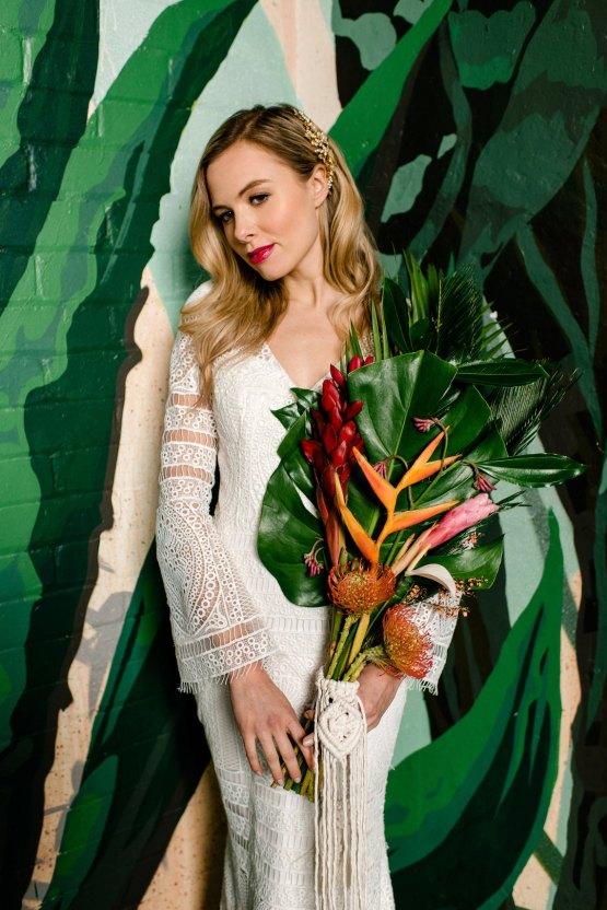 Bold Tropical Wedding Inspiration – Katerina Antos-Lewis Photography 25