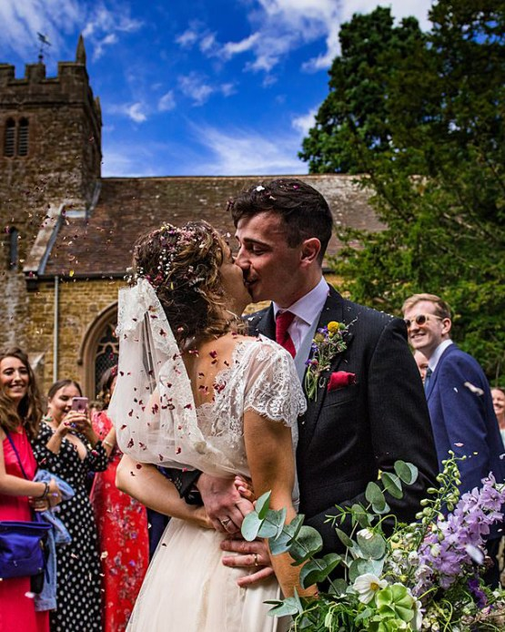 Charming English Wildflower Wedding At The Family Farm – Jonny Barratt Wedding Photography 48