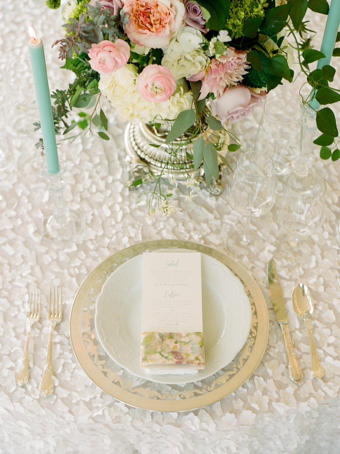 Feminine Floral-Filled Alabama Wedding Inspiration with a Getaway Bicycle – Davy Whitener 4