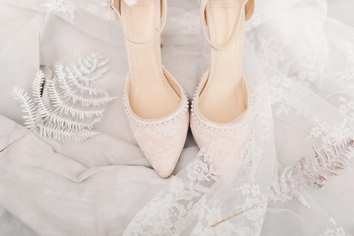 Luxurious and Fashion-Forward All White Wedding Inspiration – Emma Pilkington Photography 2