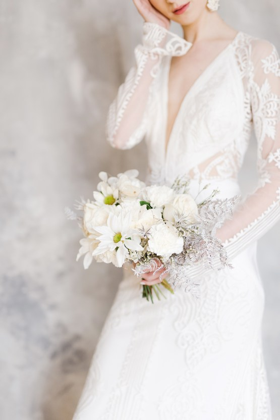 Luxurious and Fashion-Forward All White Wedding Inspiration – Emma Pilkington Photography 20