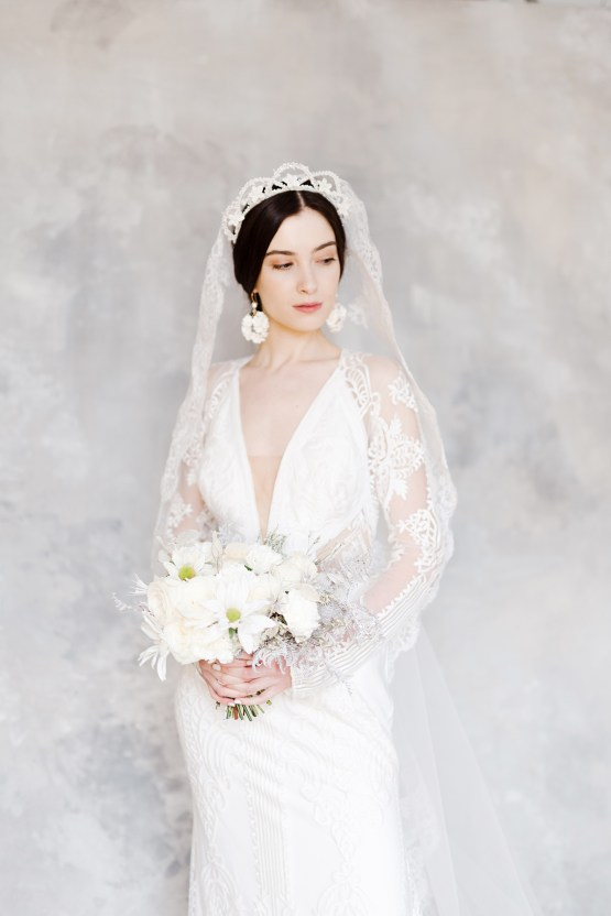 Luxurious and Fashion-Forward All White Wedding Inspiration – Emma Pilkington Photography 21
