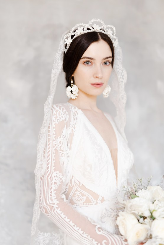 Luxurious and Fashion-Forward All White Wedding Inspiration – Emma Pilkington Photography 22