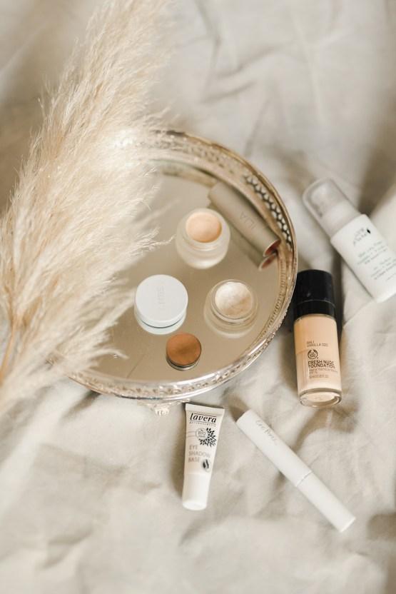 Luxurious and Fashion-Forward All White Wedding Inspiration – Emma Pilkington Photography 39