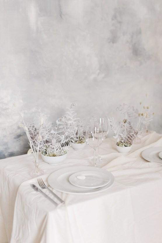Luxurious and Fashion-Forward All White Wedding Inspiration – Emma Pilkington Photography 9
