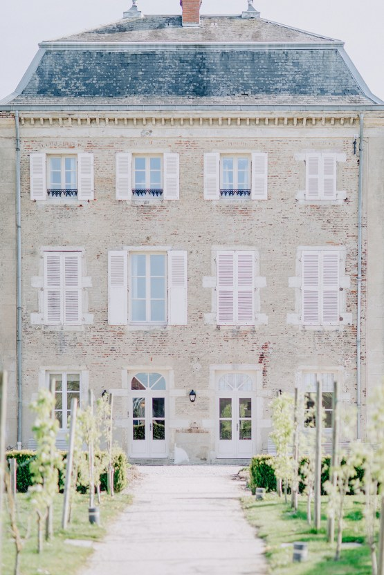 Sexy French Chateau Wedding Inspiration with a Red Wedding Dress – JuMi Story 33