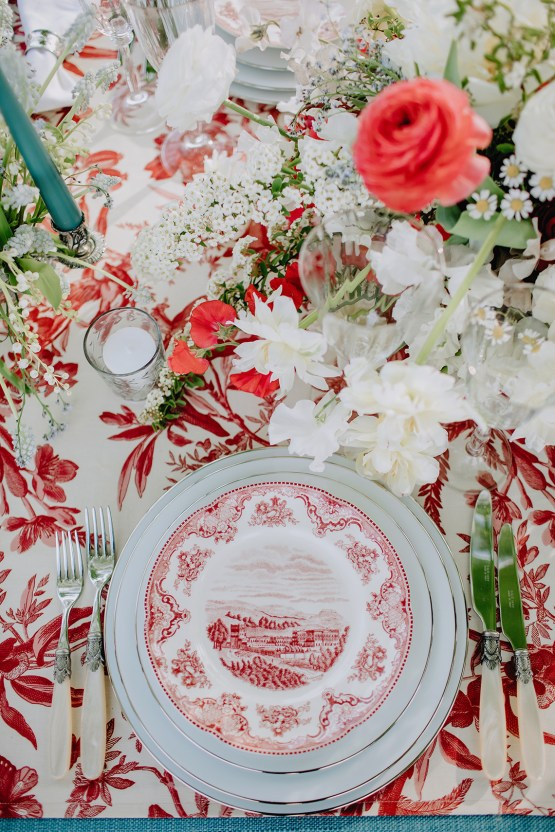 Sexy French Chateau Wedding Inspiration with a Red Wedding Dress – JuMi Story 61