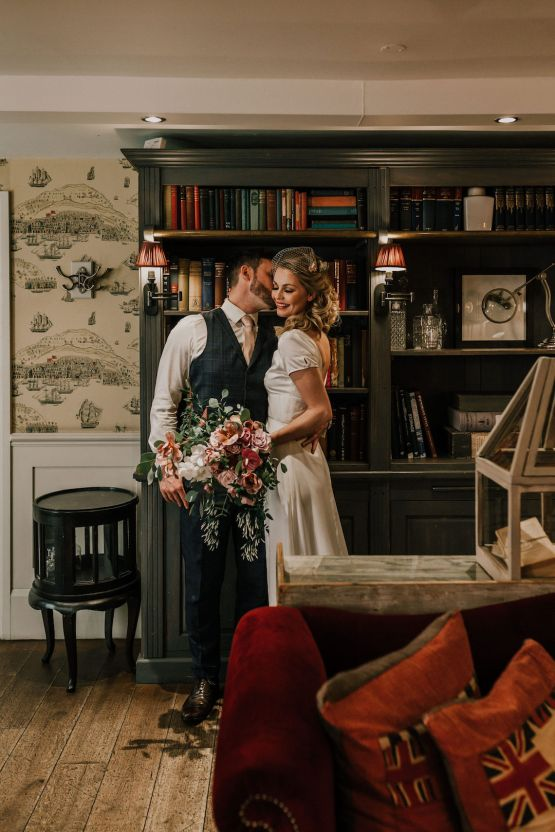 Vintage Glamour Wedding Inspiration in Manchester – Gail Secker Photography 15
