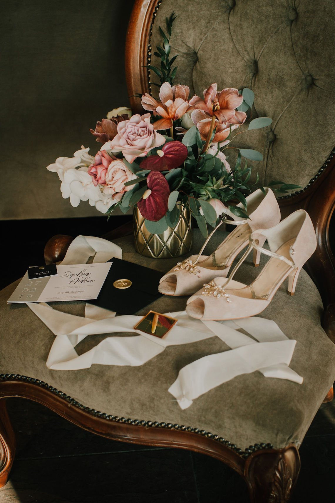 Vintage Glamour Wedding Inspiration in Manchester – Gail Secker Photography 43