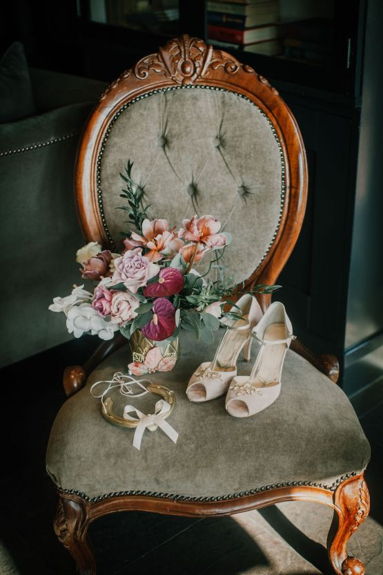 Vintage Glamour Wedding Inspiration in Manchester – Gail Secker Photography 56