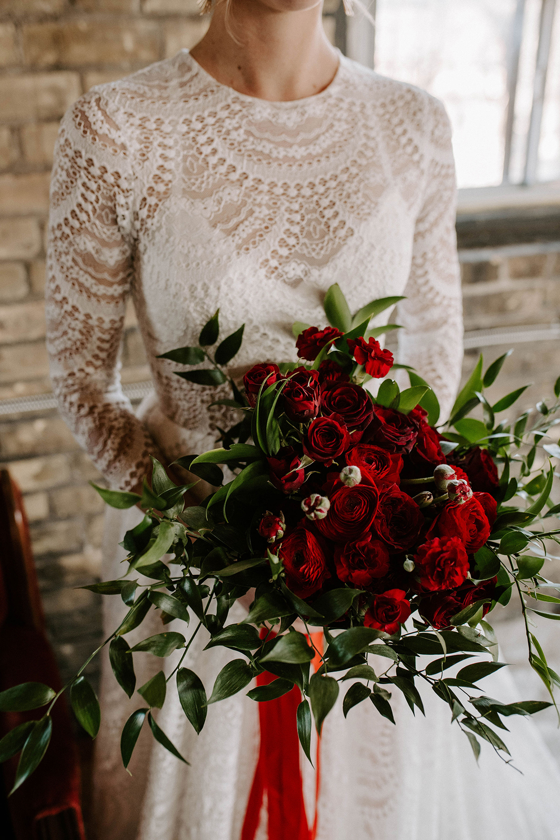 Whimsical Red and Green Wedding Inspiration with Russian Folk Details – Whim and Willow Photo 29